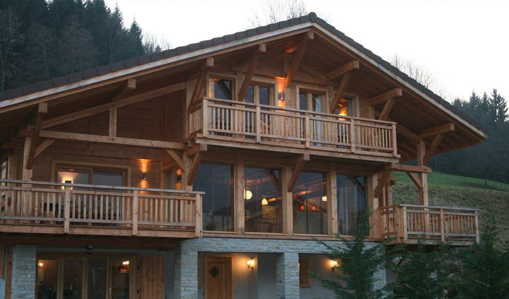Вид готового деревянного каркасного дома